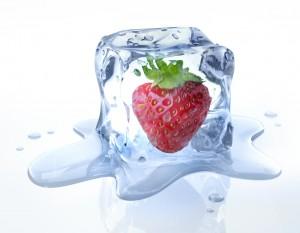 Erdbeere in Eiswrfel